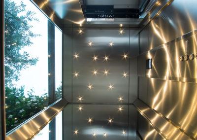 Impianto ascensore in corte
